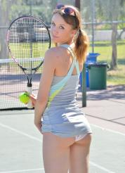 Aurora-II Kinky On The Court Picture 9